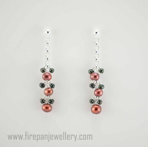 V Brown - marsala+green pearl earrings (1)